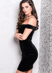 velvet-off-the-shoulder-sweetheart-mini-bodycon-black-dress-vivi-7-of-7